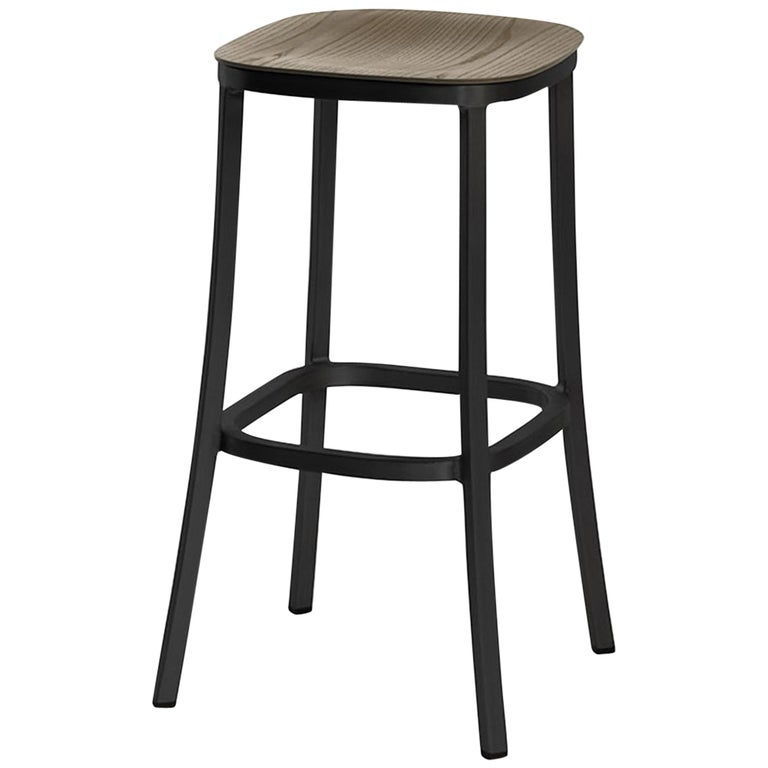 Peachy Emeco 1 Inch Barstool In Dark Powder Coated Aluminum Walnut By Jasper Morrison Squirreltailoven Fun Painted Chair Ideas Images Squirreltailovenorg