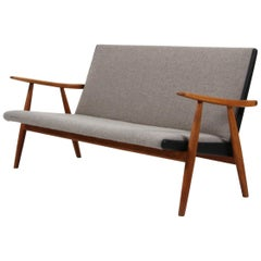 Hans J. Wegner, Two and a Half Seater Sofa, Model Ge-260 / 2½, Wool, 1960s