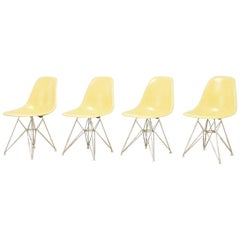 Charles & Ray Eames Dining Chairs Set of 4, Early Edition in Zenith Eiffel Legs