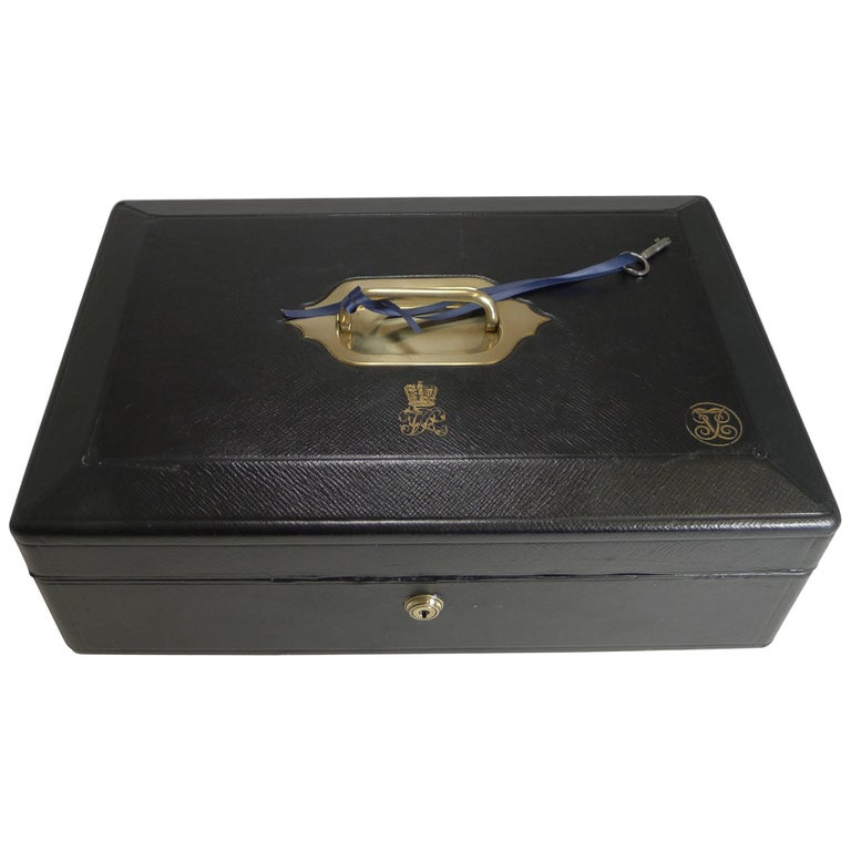 Large Antique English Morocco Leather Despatch / Dispatch Box by Wickwar, London For Sale