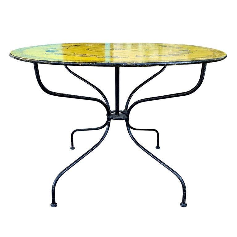Mid-20th Century Italian Neoclassical Style Round Tole Table For Sale
