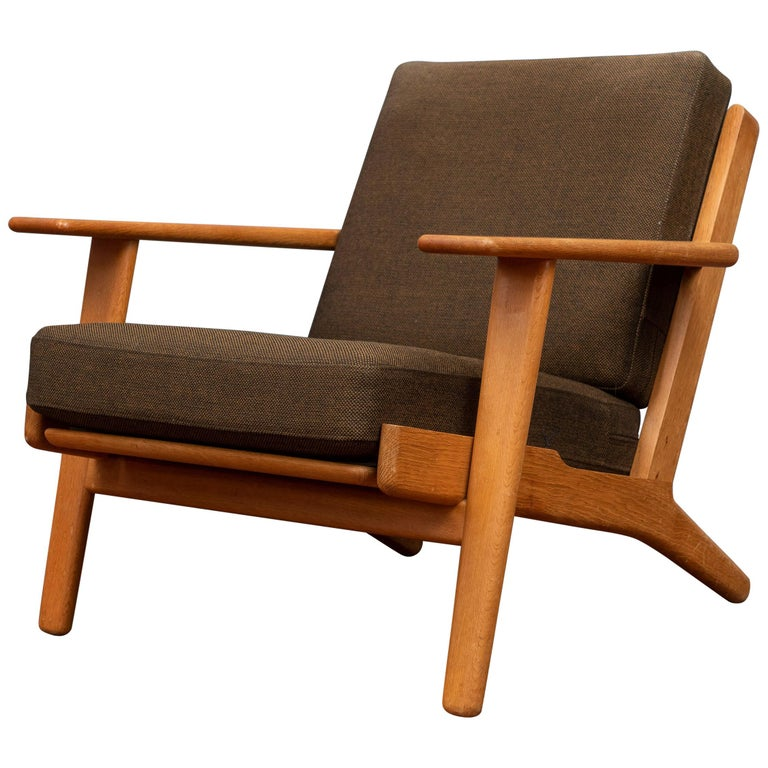 Hans Wegner Lounge Chair GE 290 For Sale