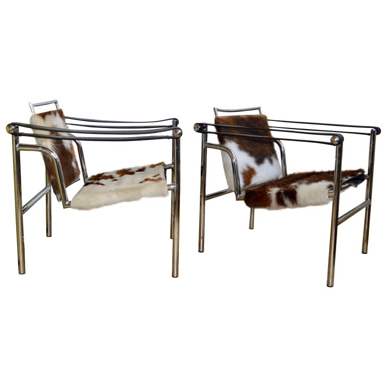 Pair of LC1 Sling Chairs in Pony Skin. For Sale