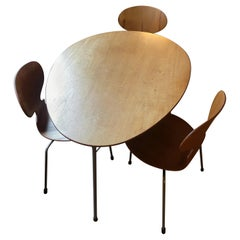 Arne Jacobsen Egg Table with Three Ant Chairs, Mfg. Fritz Hansen