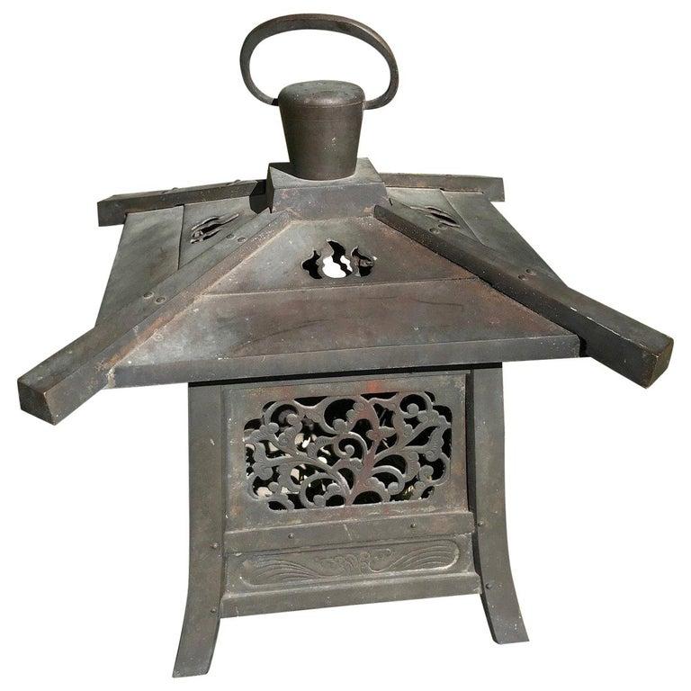 "Japan Fine Huge 22"" Antique Hand Cast Bronze Lantern with Exquisite Details For Sale"