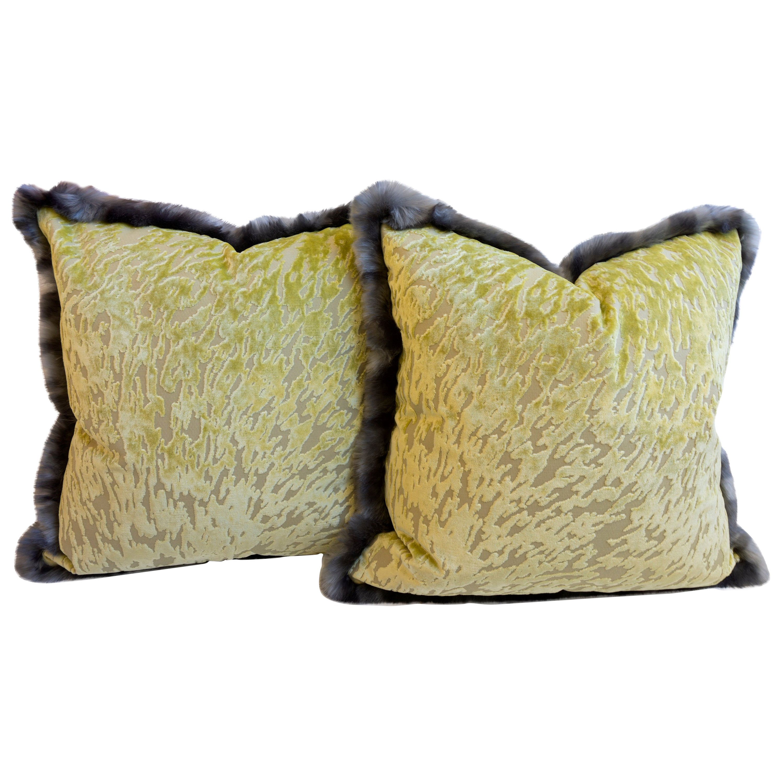Green Cut Velvet Throw Pillow with Faux Fur Trim