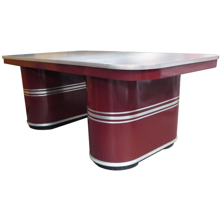 Important Art Deco Executive Desk and Chair by Mauser For Sale