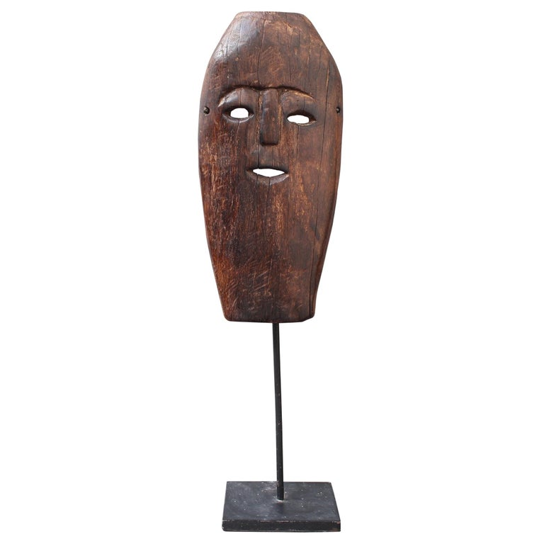 Midcentury Sculpted Wooden Traditional Mask from Timor Island, Indonesia For Sale