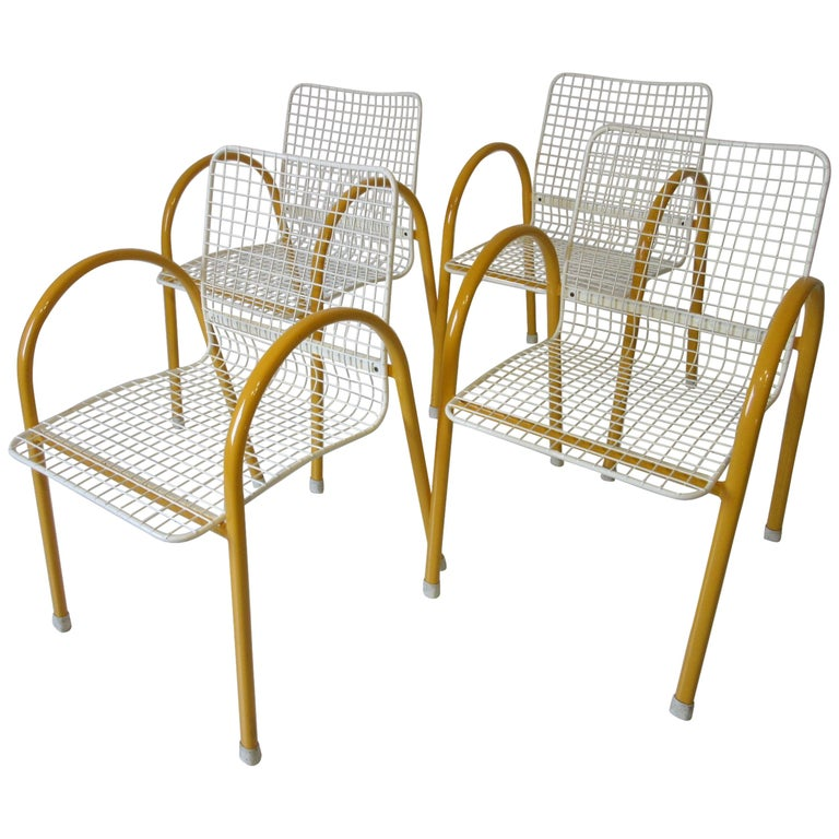 Memphis Styled Italian Stacking Wire Dining Chairs by EMU For Sale
