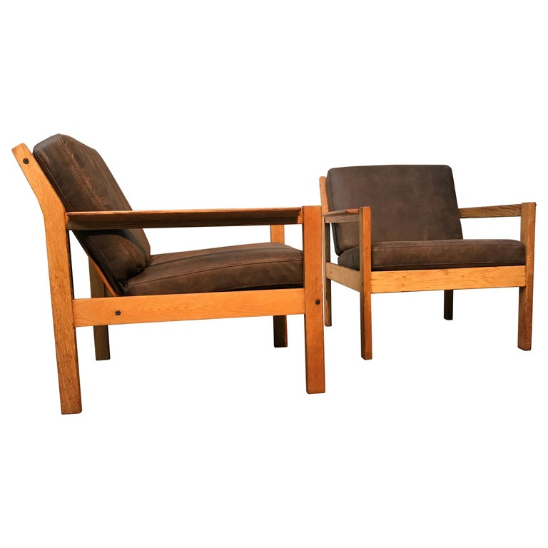 2 Vintage Oak Easy Chairs by Erik Wørts for Fdb of Denmark in Brown Leather For Sale