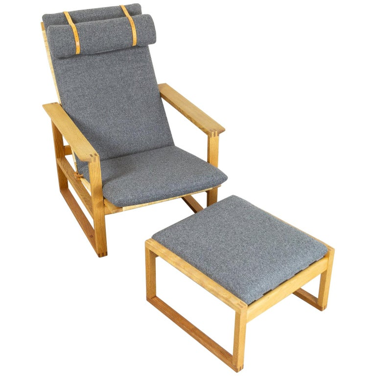 Børge Mogensen BM-2254 Reclining Armchair and Footstool, Denmark, 1950s For Sale