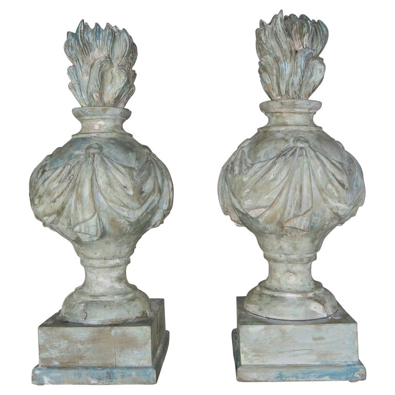 Pair of Grand 19th Century Carved Wood Painted Flamed Finials For Sale