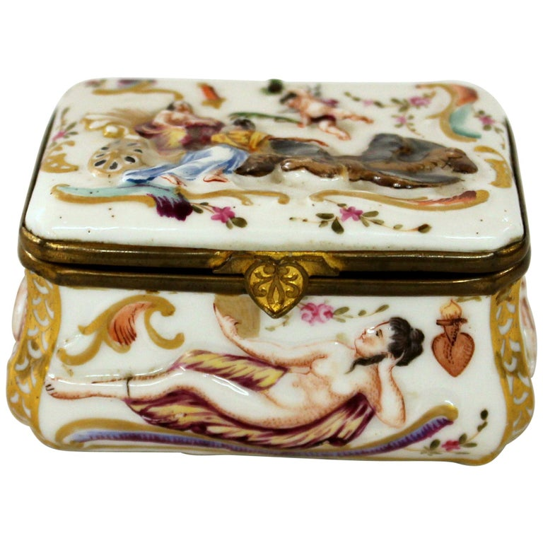 Antique Capodimonte-Type Hand Painted Bas Relief Hinged Box For Sale