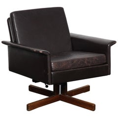 Fredrik Kayser Low Back Swivel Chair in Original Brown Leather, Norway