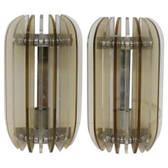 1980s Pair of Italian Mid-Century Modern Lucite Wall Sconces