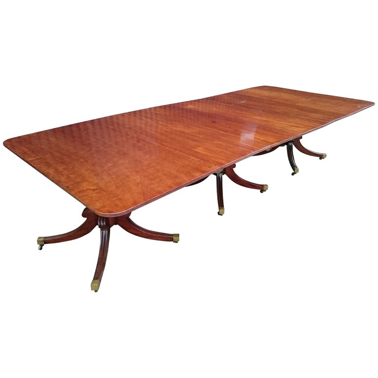 Early 19th Century Regency Mahogany Antique Dining Table For Sale