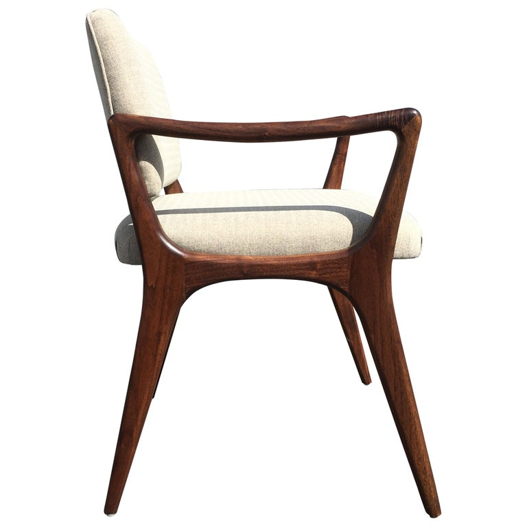 Sculptural Walnut Dining Chairs in the Style of Gio Ponti For Sale