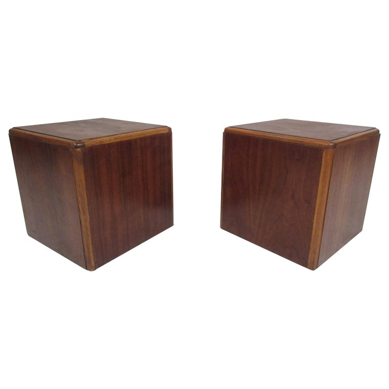 Pair of Vintage Modern Walnut Cube End Tables by Lane Furniture For Sale