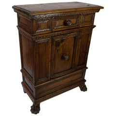 Italian Baroque Small Walnut Credenza Cabinet, 18th Century