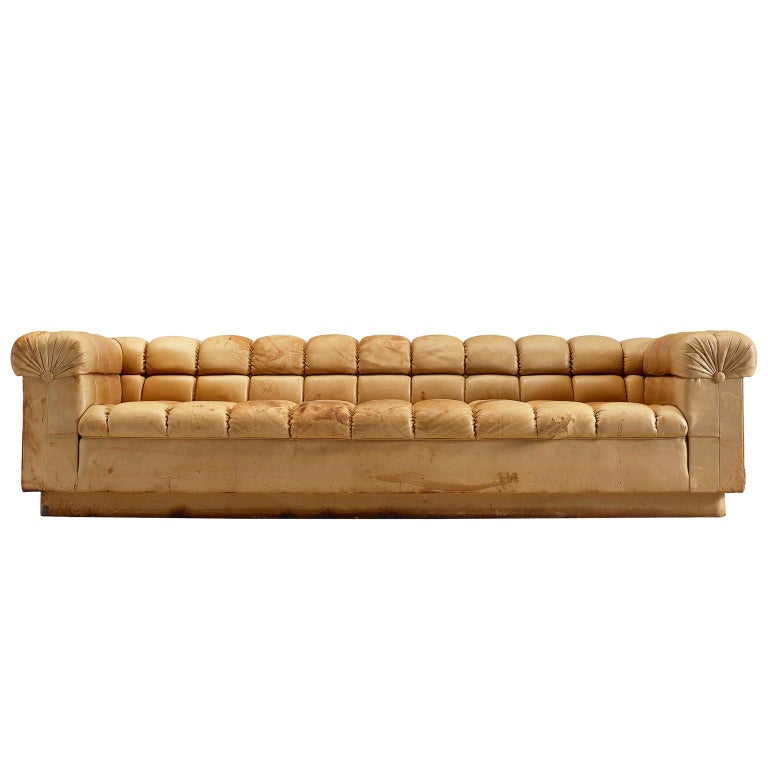 Edward Wormley Party sofa in cognac leather, 1950–59, offered by Morentz