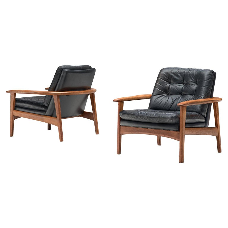 Pair of Easy Chairs in Black Leather and Teak, Denmark, 1960s For Sale
