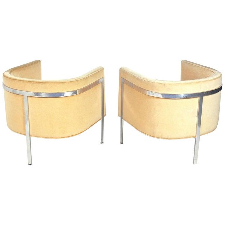 Pair of Curvaceous Tub Chairs by Harvey Probber For Sale