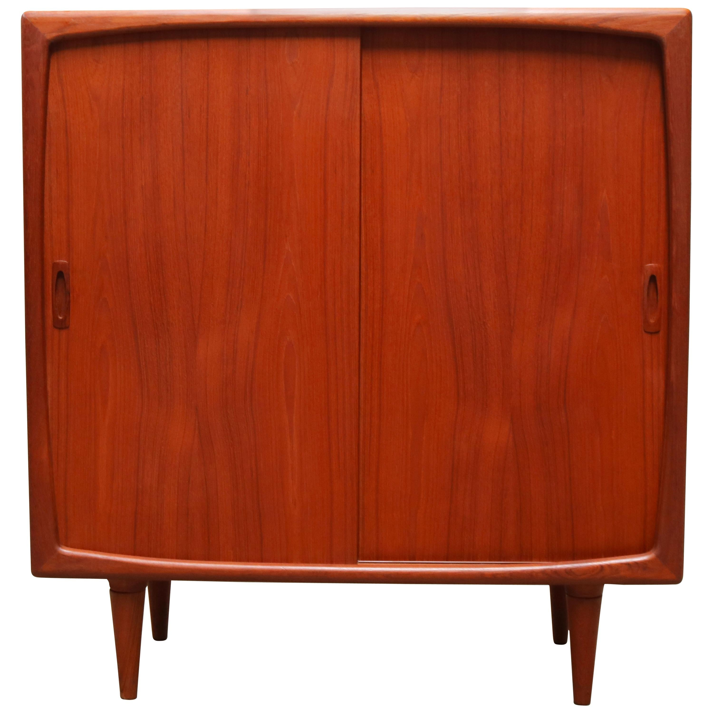 Magnificent Danish Highboard or Cabinet in Sculpted Teak by H.P. Hansen in 1950s