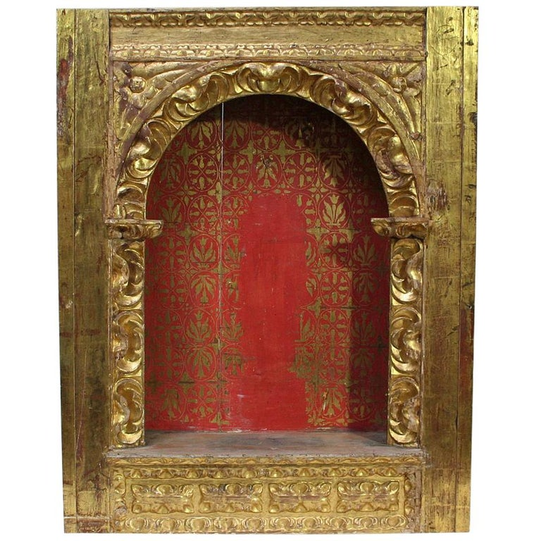 Spanish 18th Century Baroque Giltwood Altar Shrine For Sale