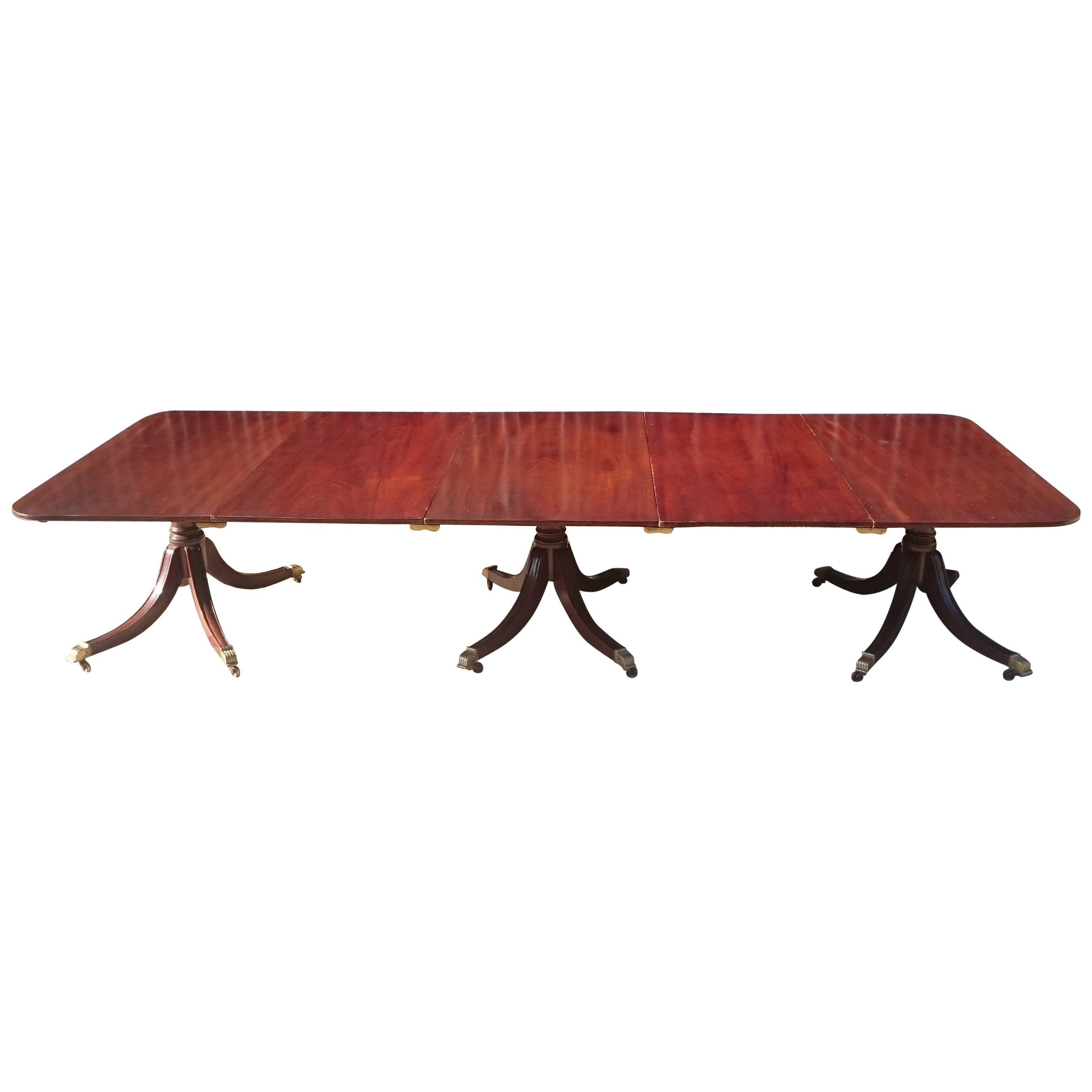 Early 19th Century Georgian Mahogany Three-Pedestal Antique Dining Table