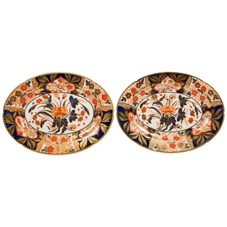 Pair Antique Imari Inspired Porcelain Dishes Hand-Painted by Coalport For Sale