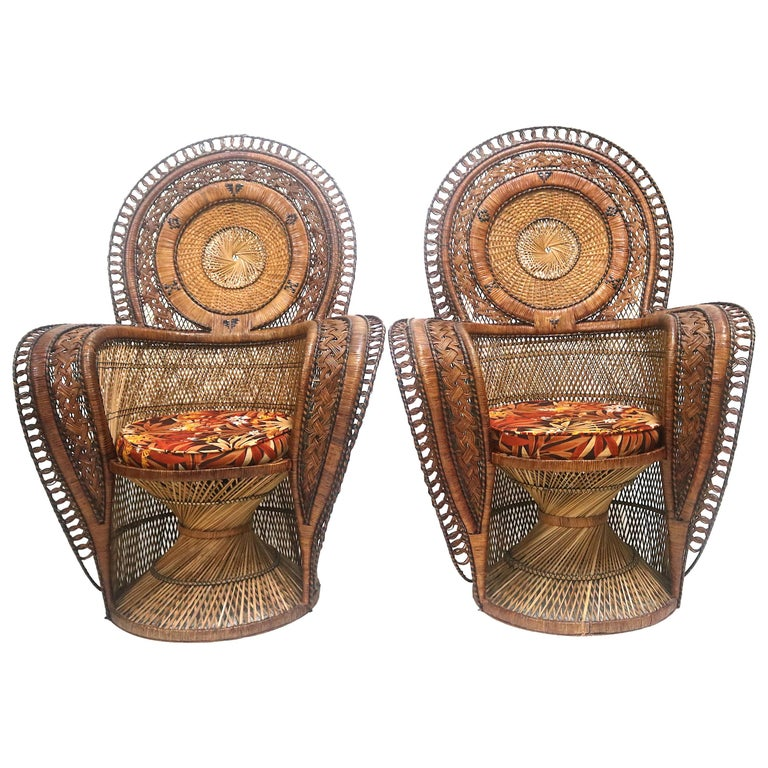 Rare Wicker Throne Peacock Chairs Medallion Back, Hollywood Glam For Sale
