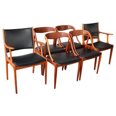 Johannes Andersen Set of 6 Danish Teak Dining Chairs with 2 Head or Armchairs