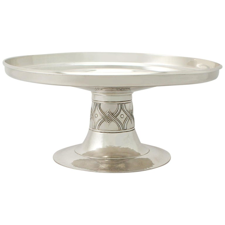 Edwardian Arts & Crafts Style English Sterling Silver Tazza/Centerpiece For Sale