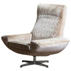 "1960s ""Capri"" Swivel Easy / Lounge Chair by Johannes Andersen for Trensum"