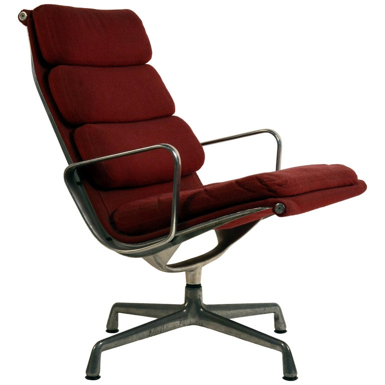 Eames Burgungy EA 216 Soft Pad Swiveling Lounge Chair for Herman Miller For Sale