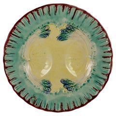 19th Century French Faïence Majolica Glazed Divided Asparagus and Shell Plate