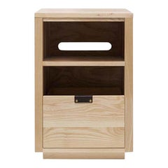 Dovetail Vinyl Storage Cabinet 1 x 1.5 with Equipment Shelf