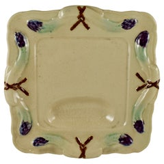 19th Century Rustic Country French Faïence Majolica Square Asparagus Plate