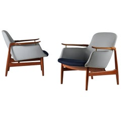 Finn Juhl, a Pair of NV 53 Armchairs from Niels Vodder with Makers Stamp