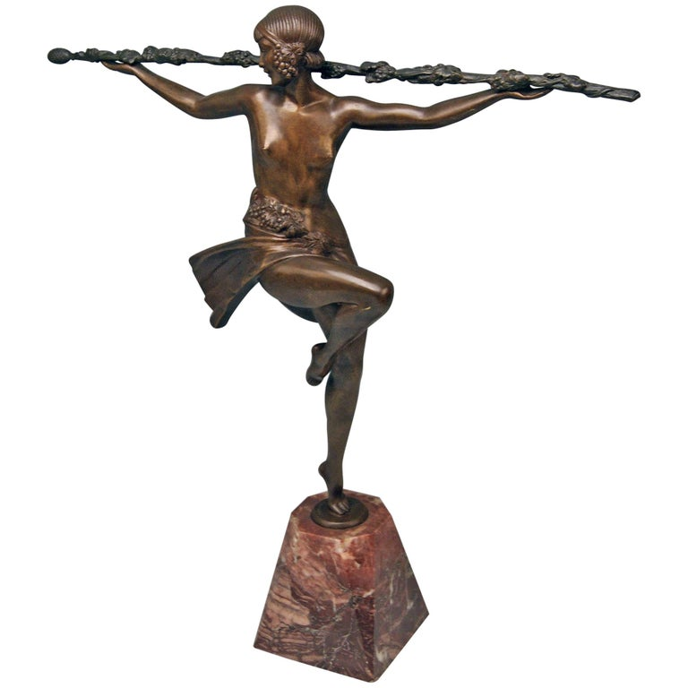 Bronze Art Deco Bacchanalian Lady Nude Dancing by Pierre Le Faguays, circa 1935 For Sale