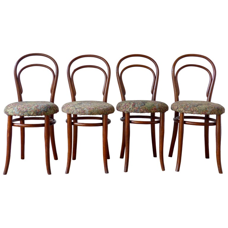 Thonet Chairs, Antique, Late 19th Century Model 14 For Sale