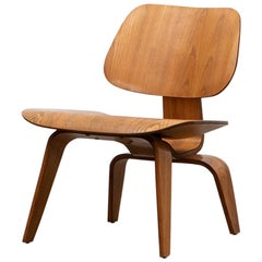 """1940s Ash Plywood LCW Chair by Charles and Ray Eames """"D"""""""