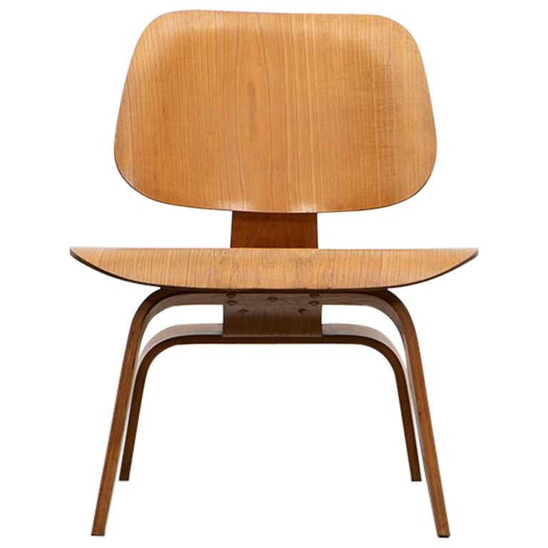 """1940s Ash Plywood LCW Chair by Charles & Ray Eames """"F"""" For Sale"""
