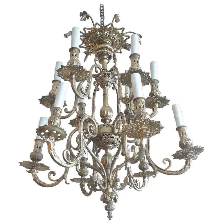 Italian 19th Century Bronze Chandelier with Twelve Lights For Sale