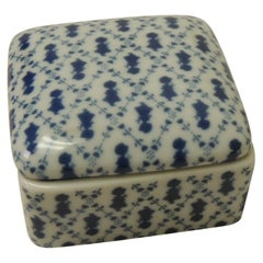 Snuff Boxes and Tobacco Boxes