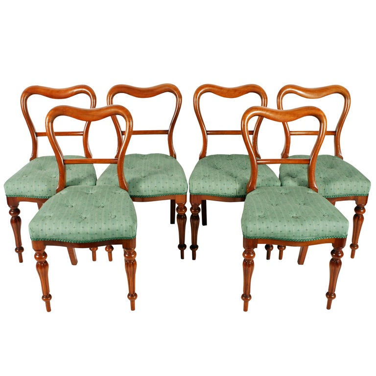 Set of Six 19th Century Victorian Walnut Dining Chairs For Sale