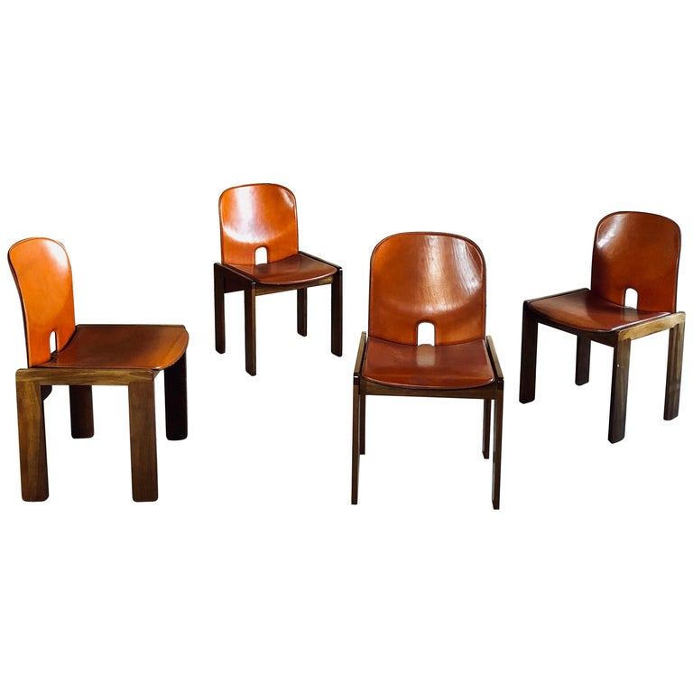 """Afra & Tobia Scarpa Red Leather """"121"""" Dining Chairs for Cassina, 1965, Set of 4 For Sale"""