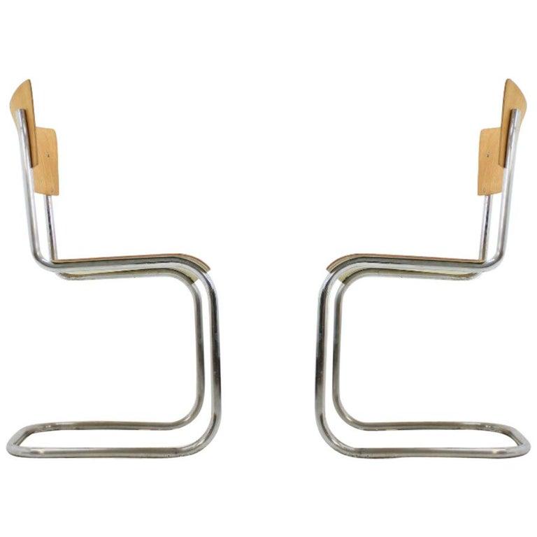 Pair of Chrome Bauhaus Robert Slezák Chairs, 1930s For Sale