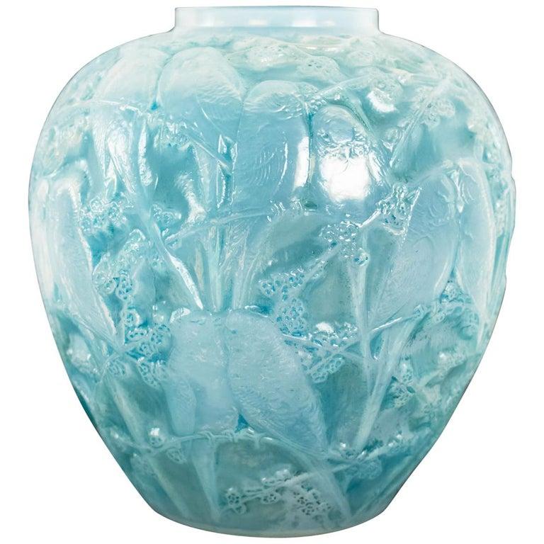 """René Lalique Opalescent Vase """"Perruches"""" For Sale"""