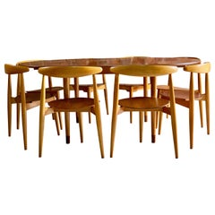 Hans Wegner Dining Table & Eight Chairs Heart Shape Fritz Hansen, Denmark, 1950s
